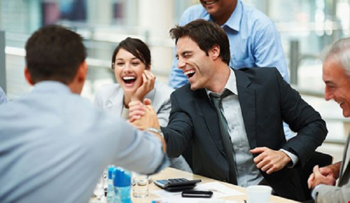 Được làm việc trong môi trường chuyên nghiệp, đồng nghiệp đoàn kết, hỗ trợ lẫn nhau