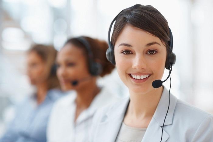 Nhân viên chăm sóc khách hàng (Customer Care Staff) là người sẽ tiếp nhận, giải đáp và xử lý những vấn đề gặp phải khi khách hàng khiếu nại.